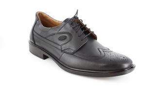 Zapatos de Piel Negro estilo Oxford.