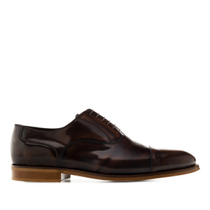 Zapatos estilo Oxford en Antic Marron