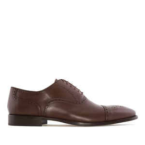 Elegante Schuhe im Oxfordstil aus braunem Leder