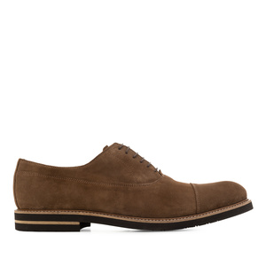 Oxfordschuhe aus braunem Rauleder - MADE IN SPAIN