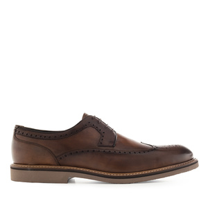Herrenschuhe im Wing Tip-Stil aus braunem Leder - MADE in SPAIN -