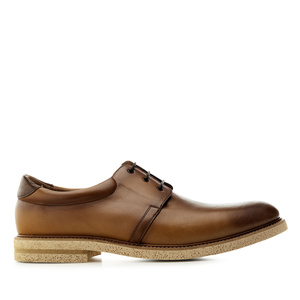 Zapato de vestir en piel de color Cuero