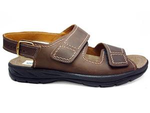 Sandalias de caballero de piel marrón con tira trasera