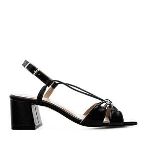 Sandalias en piel con tiras de color Negro