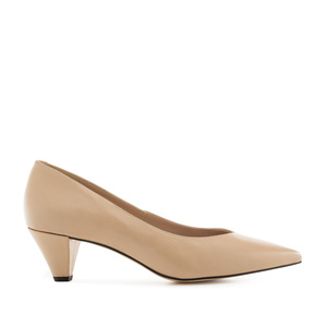 Fine Tip Beige Nappa Leather Court Shoes