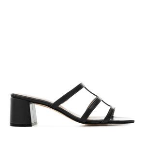 Sandalias con tacón en piel de color Negro
