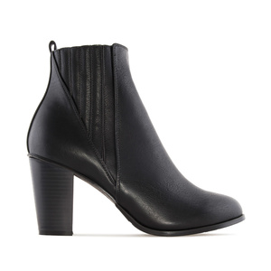 Ankle Boots in Black faux Leather, with elastic detail