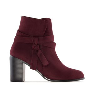 Laced Ankle Boots in Burgundy Suede