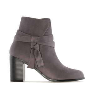 Laced Ankle Boots in Grey Suede