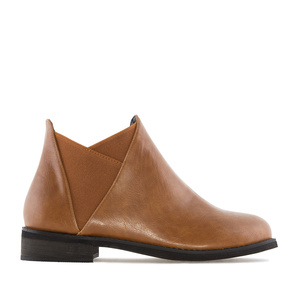 V-Chelsea Cut Boots in Camel faux Leather
