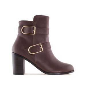 2-Buckle Ankle Boots in Brown faux Leather