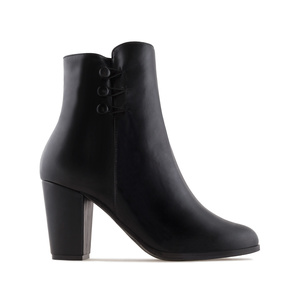 Ankle Boots in Black faux Leather