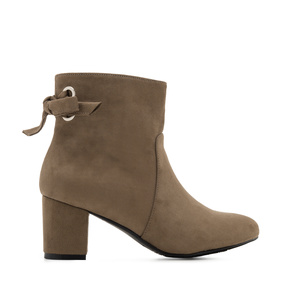 Back Bow-tie Booties in Earth-coloured Suede