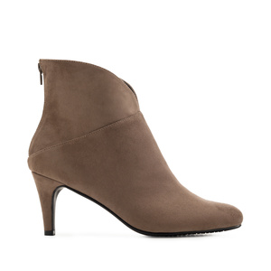 V-Neck Booties in Earth-coloured Suede