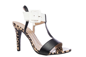 Leopardikuvio T-hihna sandaalit leveällä nilkkahihnalla ja sävytetyllä soljella