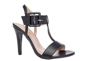 Mustat T-hihna sandaalit leveällä nilkkahihnalla ja sävytetyllä soljella