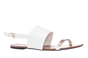 Valkoiset matalapohjaiset sandaalit