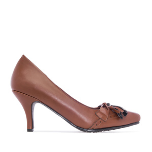 Tassle Pumps in Brown faux Leather