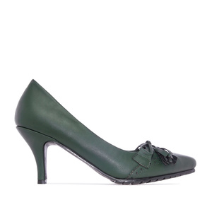 Tassle Pumps in Green faux Leather