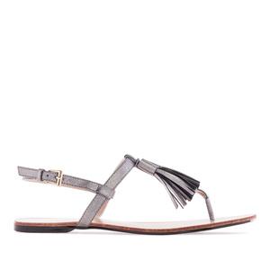 Letní sandále, tenké pásky a střapec na nártu. Stříbrné.