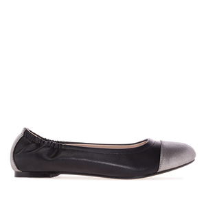 Elastic Ballet Flats in Black faux Leather