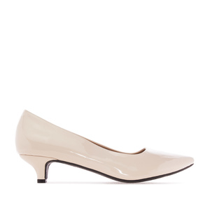Low Heeled Shoes in Off-white Patent