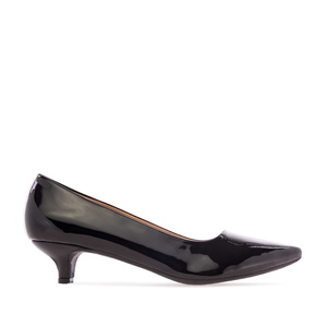 Low Heeled Shoes in Black Patent