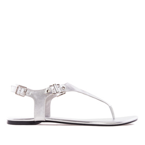 Sandalias t-bar en Soft de color Plata.