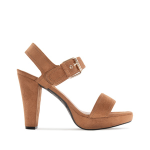 Platform Sandals in Brown Suede