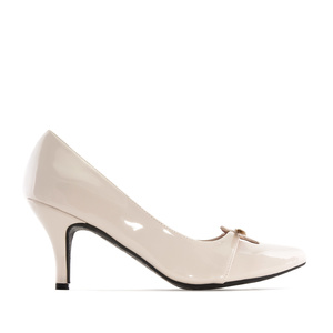 Heeled Shoes in Beige Patent