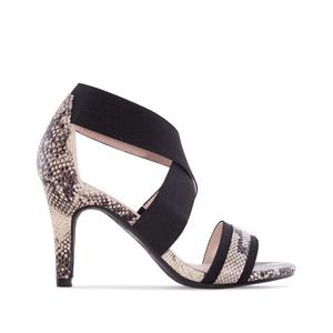 Páskové sandále na podpatku. Elastický pás přes nárt. Hadí kůže béžová.