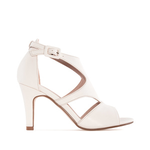 Sandals in Beige faux Leather
