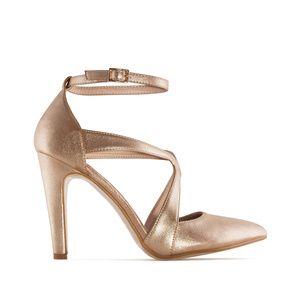 Fine Tip Heeled Shoes in Gold faux Leather