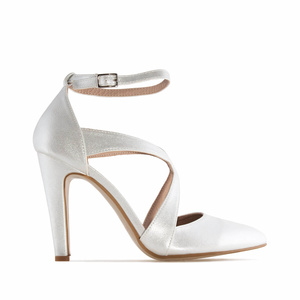 Fine Tip Heeled Shoes in Silver faux Leather