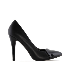 Pumps in Black faux Leather with Black Patent Tip & Heel