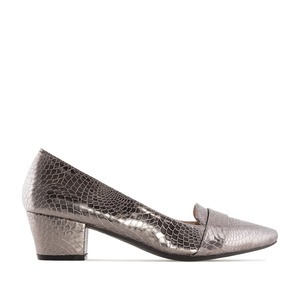 Moccasin Heeled Shoes in Silver Snake Print