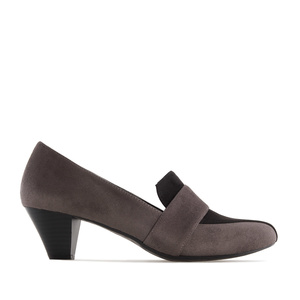 Moccasin Heeled Shoes in Grey Suede