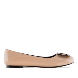Ballet Flats in Beige Patent, with detail