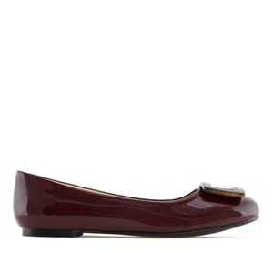 Ballet Flats in Burgundy Patent, with detail