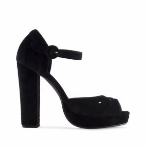 Sandalette aus Schwarzem Wildlederimitat mit breitem Absatz
