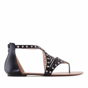 Mustat Roomalais tyyppiset sandaalit.