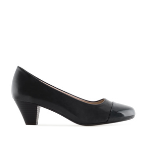 Toe Cap Court Shoes in Black faux Leather