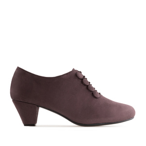 Button-Up Shoes in Burgundy Suede