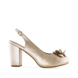 Slingback Shoes in Gold faux Leather