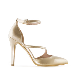 Slingpumps aus goldenem Lackleder