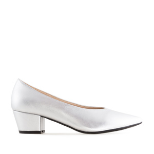 V-Cut Court Shoes in Silver faux Leather