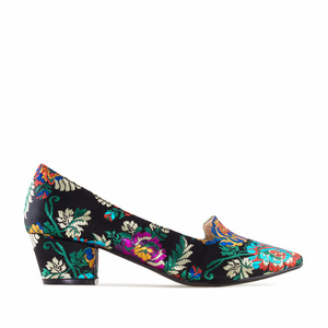 Heeled Slipper Shoes in Black Floral Embroidered Fabric