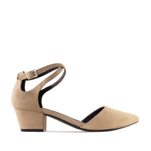 Open Side Shoes in Sand coloured Suede