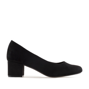Block-Heeled Shoes in Black Suede