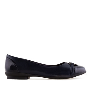 Flats in Navy faux Leather